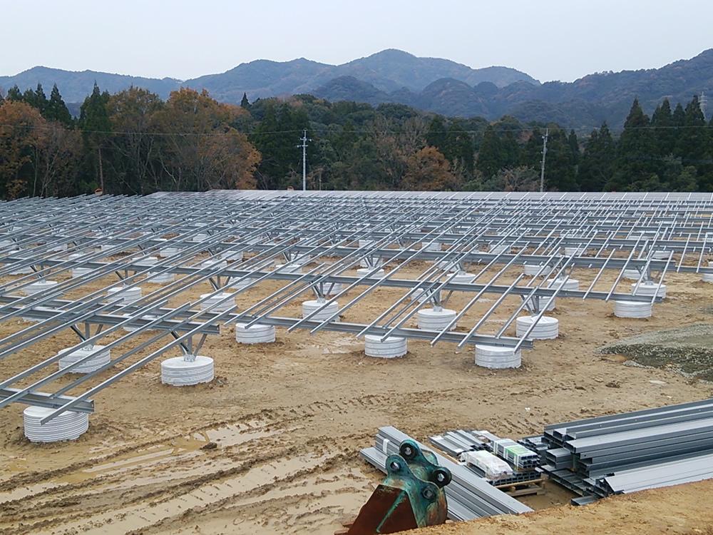 太陽光事業(造成から基礎等設置及び製造を行います。)